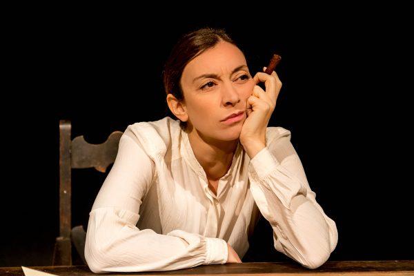 Marta Bettuolo in scena a Napoli con «Maria Stuarda», produzione del Teatro de LiNUTILE per la regia di Stefano Eros Macchi,